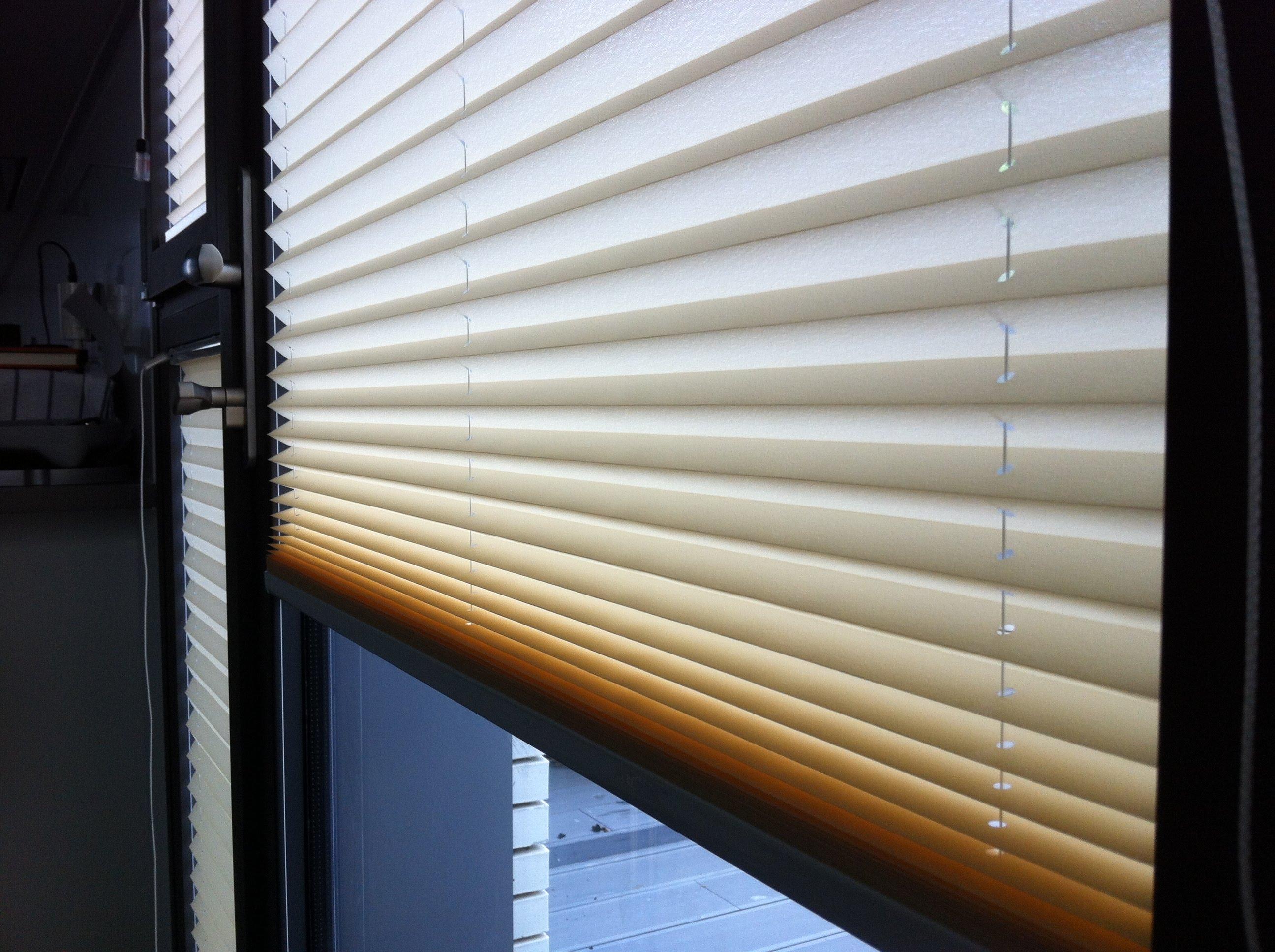 Biwo tu nueva oficina cortinas plisadas biwo santander - Cortinas de oficina ...